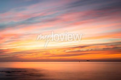 Väggdekor Fototapeta: Sunrise over a beach in Cornwall UK