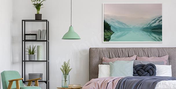 Pastellfärgad affisch med en sjö